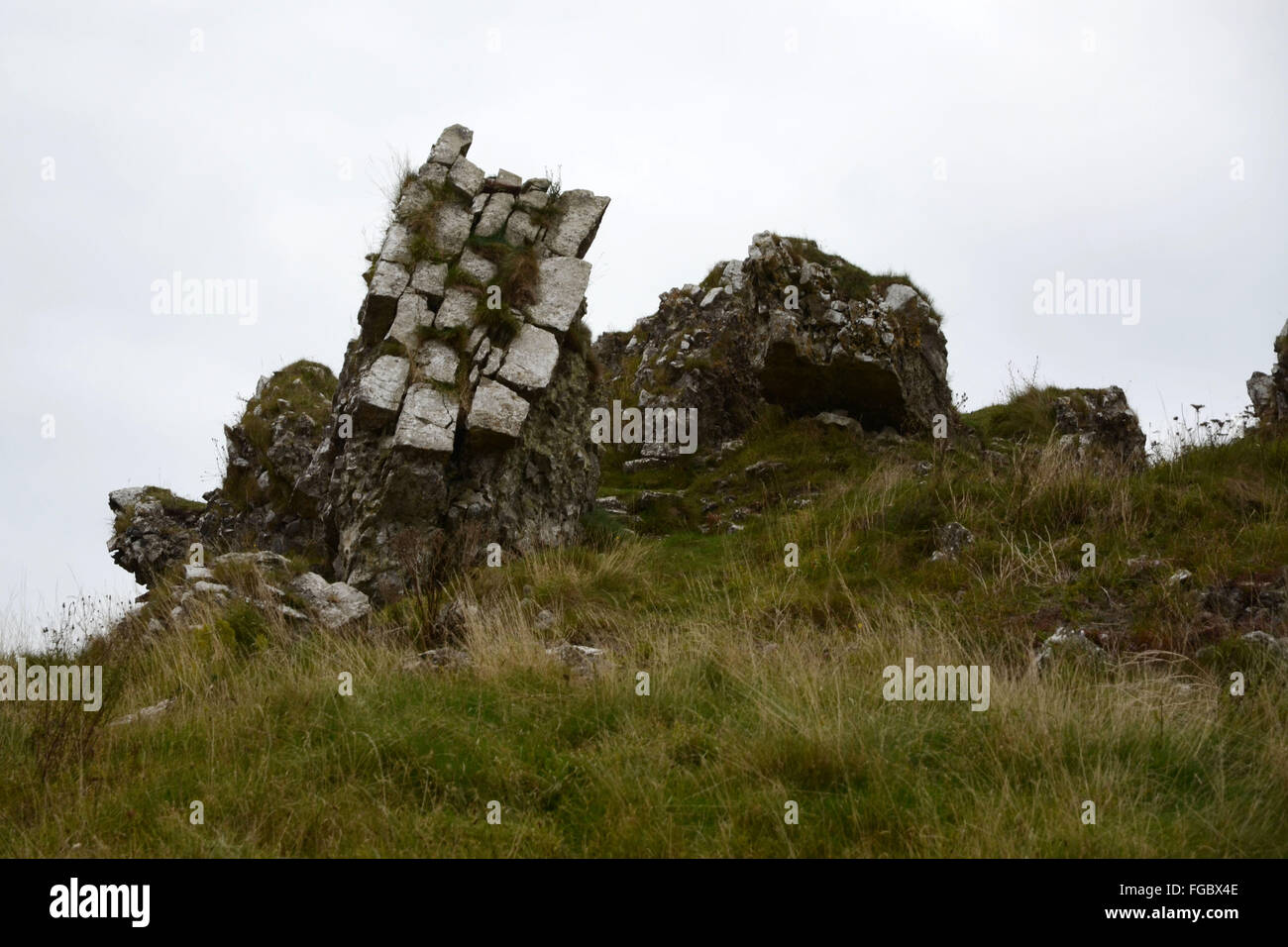 broken parts of dunamase castle