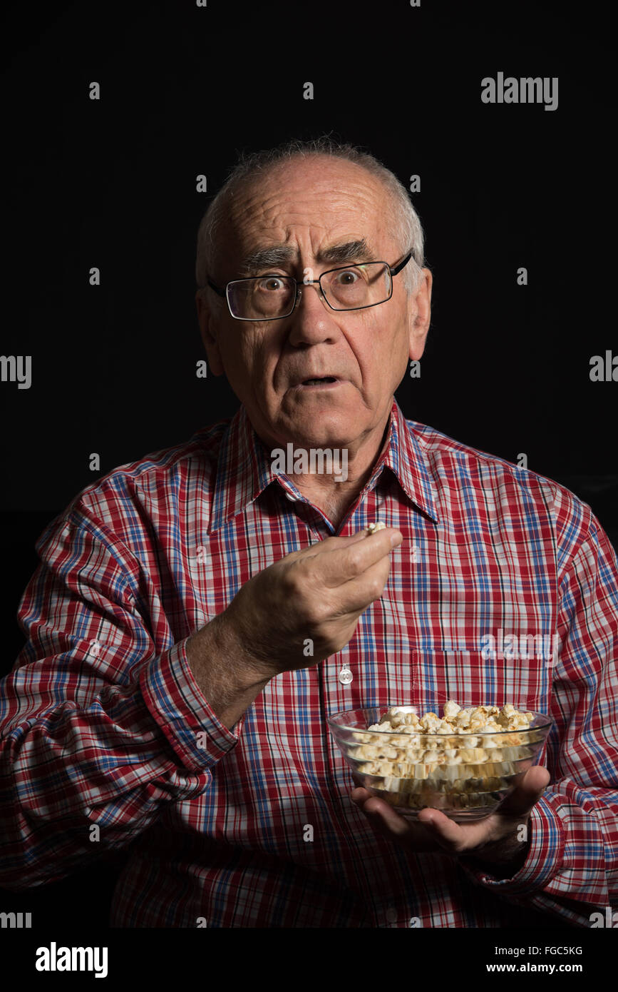 a eating glasses snack movie middle stock wearing illustration of popcorn arab d while render watches