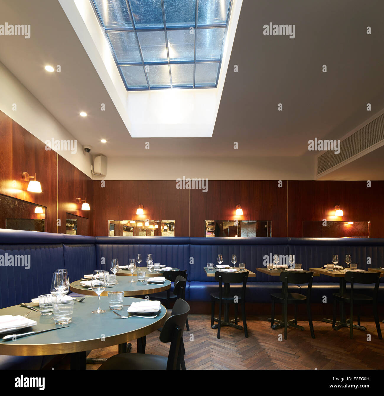 Terrific Dining Room With Skylight And Upholstered Bench Seating The Ncnpc Chair Design For Home Ncnpcorg