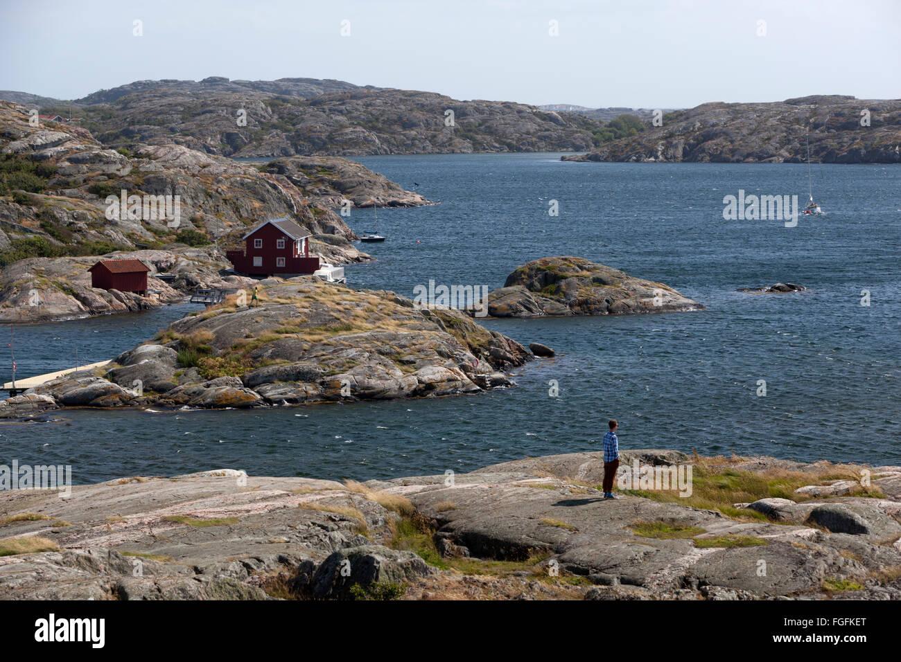 Yacht sailing through archipelago, Skärhamn, Tjörn, Bohuslän Coast, southwest Sweden, Sweden, Scandinavia, - Stock Image