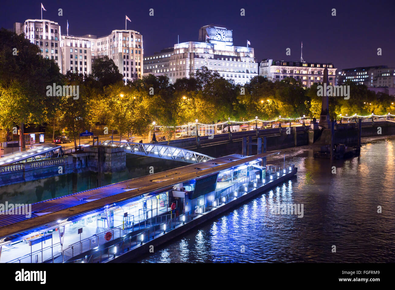 View of the Victoria Embankment in London seen at night - Stock Image