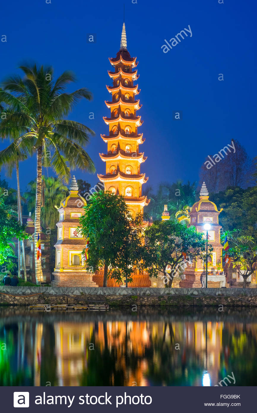 Tran Quoc Pagoda at night, Hanoi, Vietnam - Stock Image