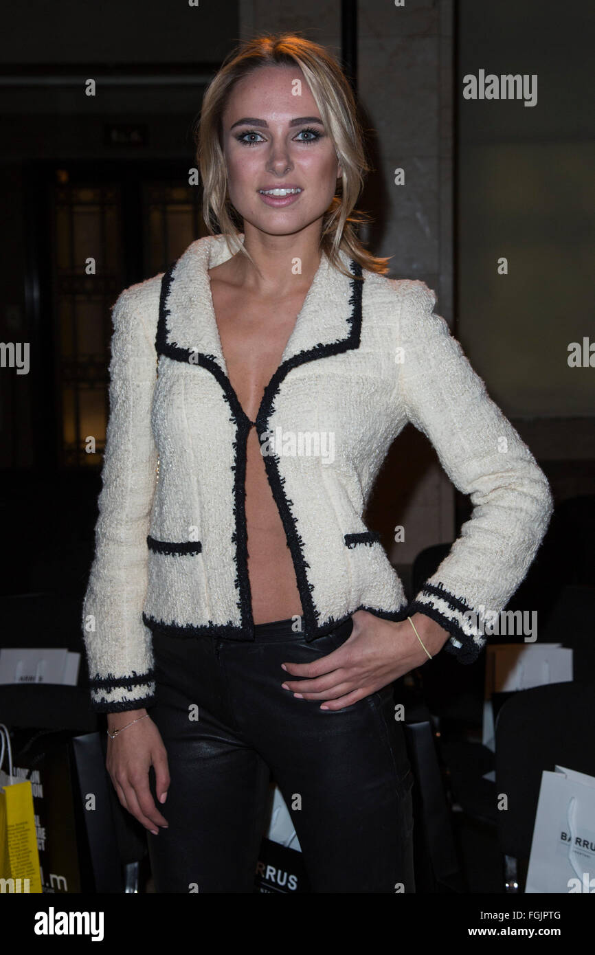 London, UK. 19 February 2016. Kimberley Garner. Celebrity arrivals for the Barrus AW16 runway show at Fashion Scout - Stock Image