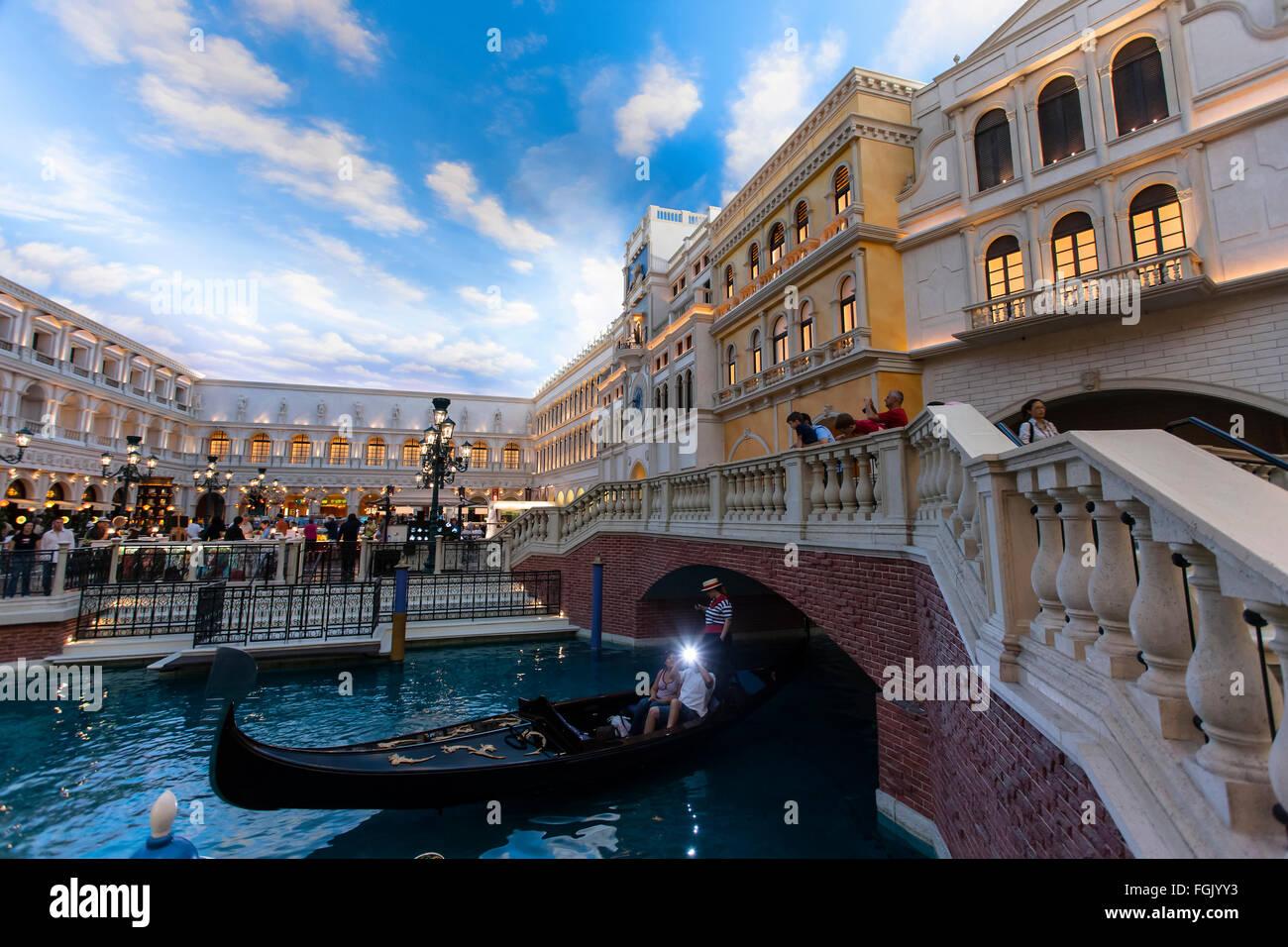Las Vegas The Venetian Hotel Gondolas St Mark S Square At