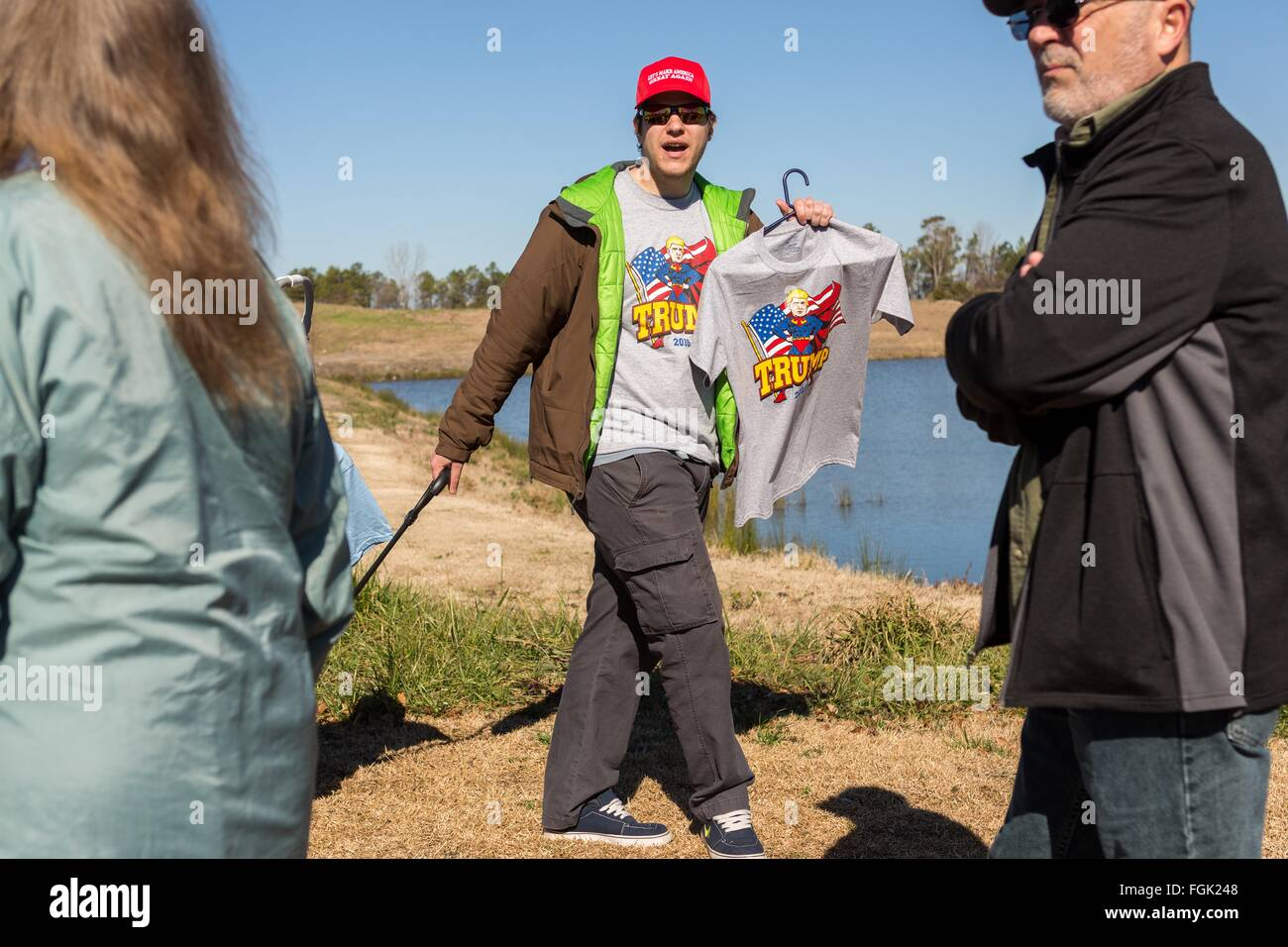 Myrtle Beach, South Carolina, USA. 19th February, 2016. A vendor sells tee shirts with slogans supporting billionaire - Stock Image