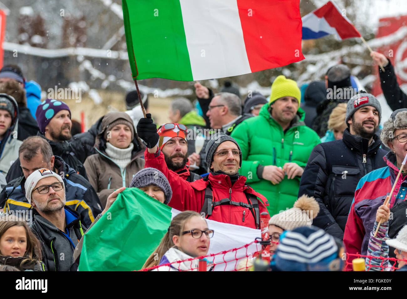Chamonix, France. 20th February, 2016. Italian supporters celebrate the victory of Dominik PARIS. The Audi FIS World - Stock Image