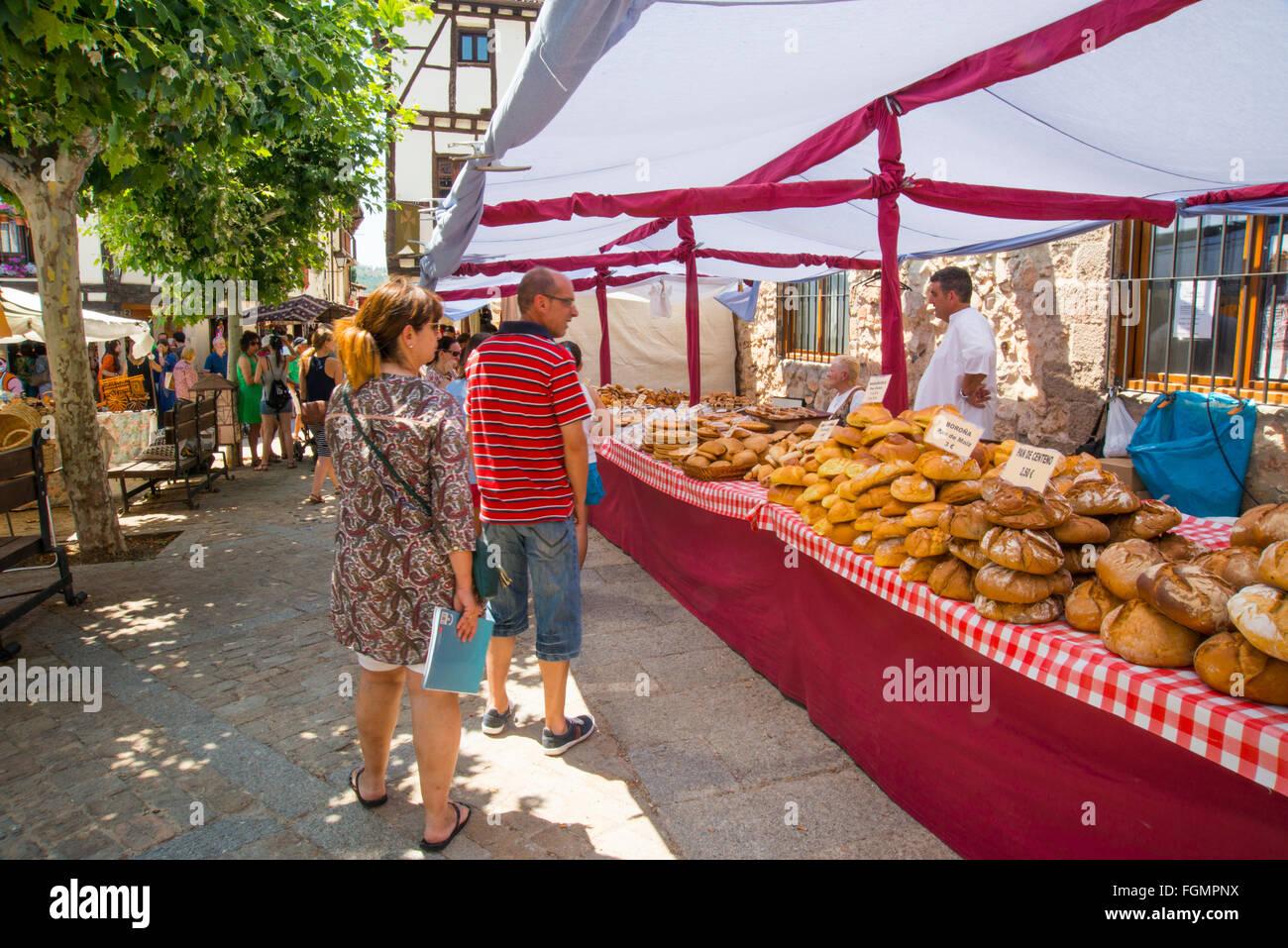 Flea market. Covarrubias, Burgos province, Castilla Leon, Spain. - Stock Image