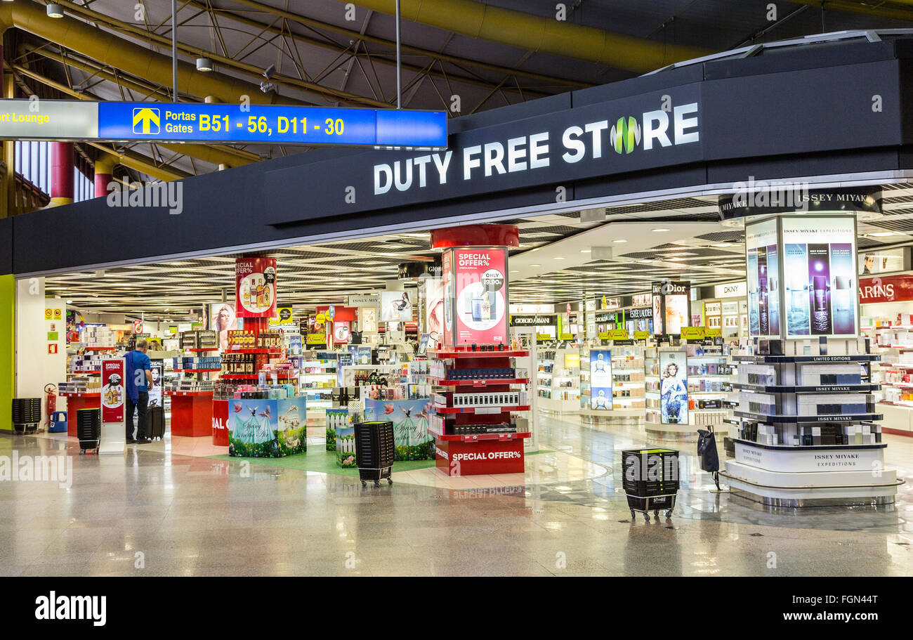 Duty free store at Faro airport, Portugal - Stock Image