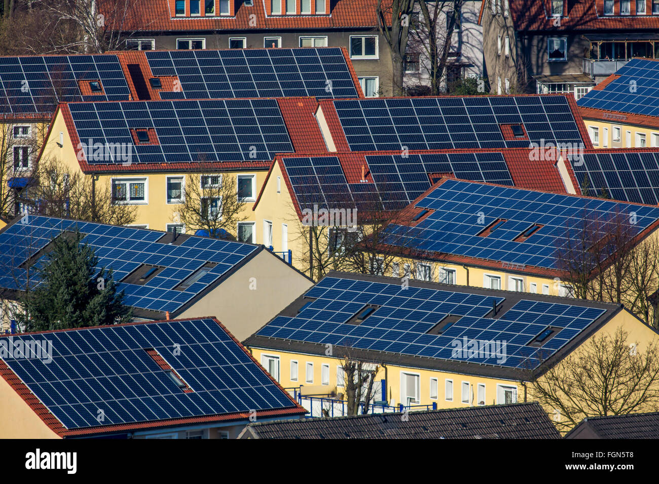 Houses with solar panels on the roof, solar energy, Bottrop, Germany - Stock Image