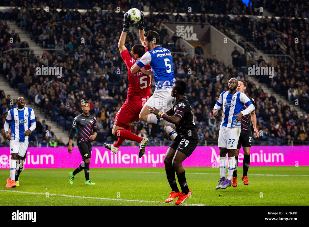 Dragon Stadium, Portugal. 21st February, 2016. FC Porto's player Marcano during the Premier League 2015/16 match - Stock Image
