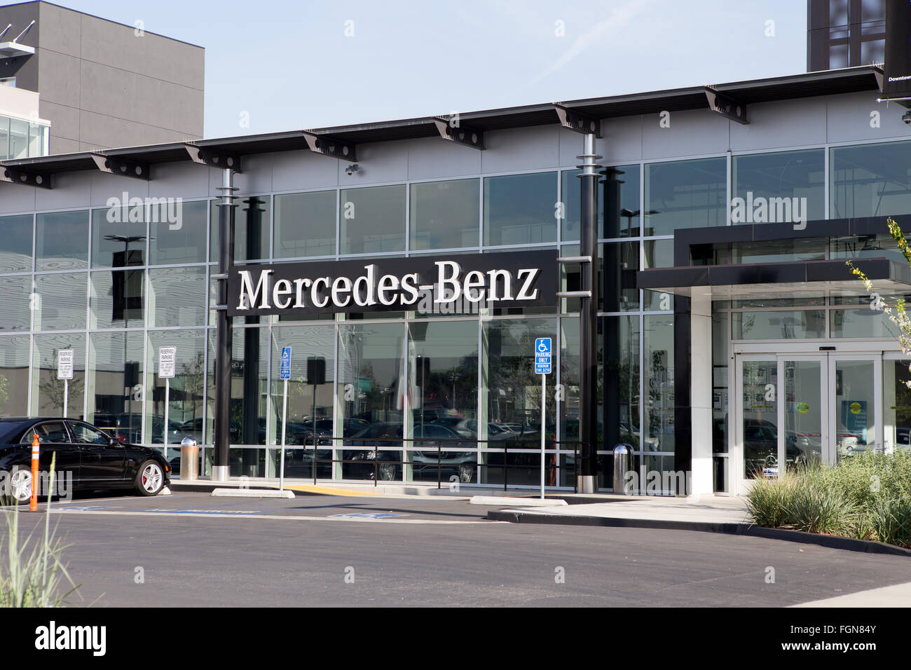Mercedes Benz Dealership In Los Angeles California   Stock Image