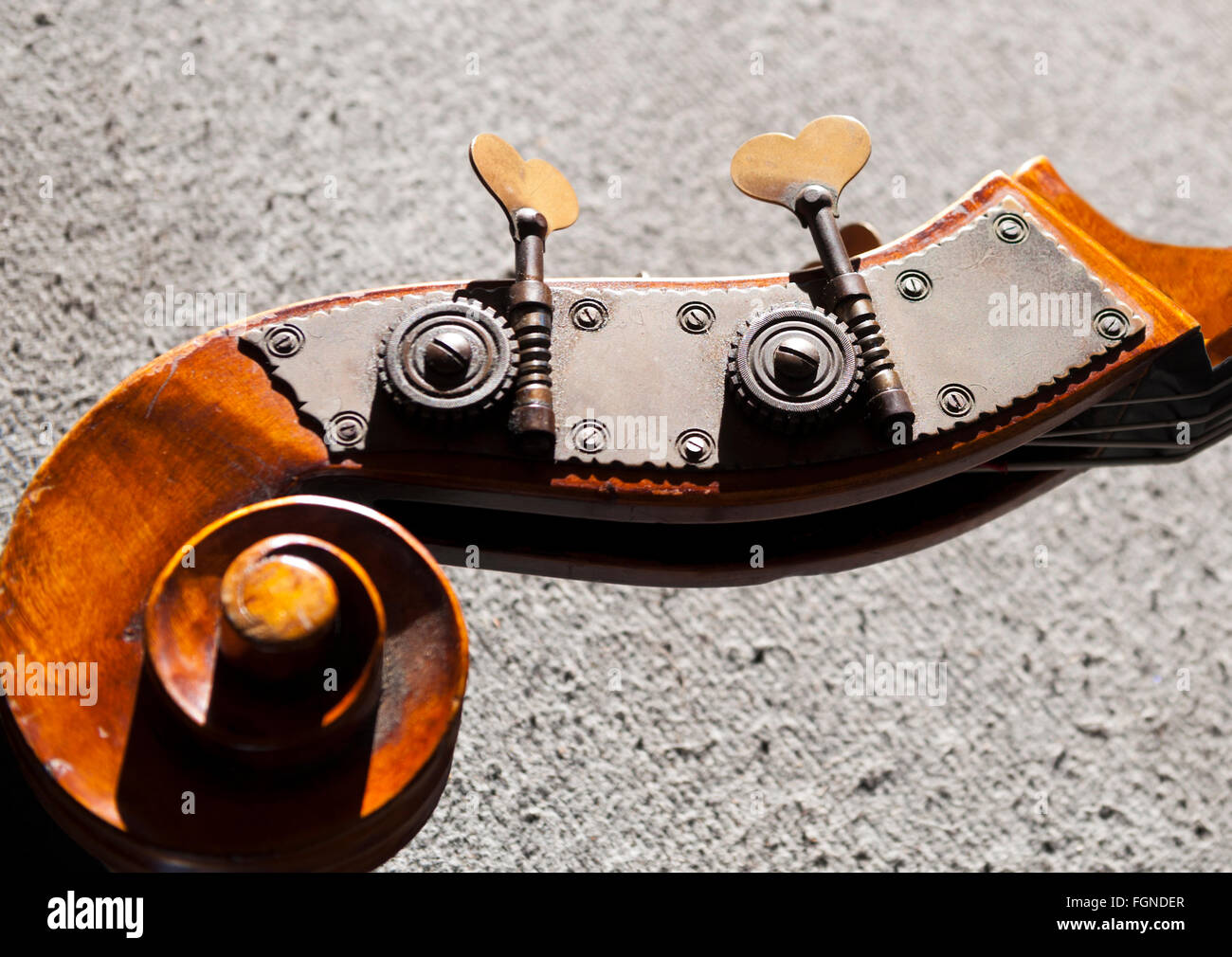 cello / stand up bass, tuning keys, head stock Stock Photo