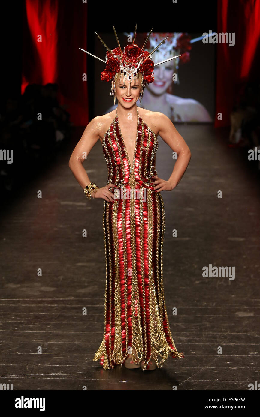 Gigi Gorgeous wears Laurel DeWitt at Go Red for Women Red Dress Collection 2016 Presented by Macy's at New York - Stock Image