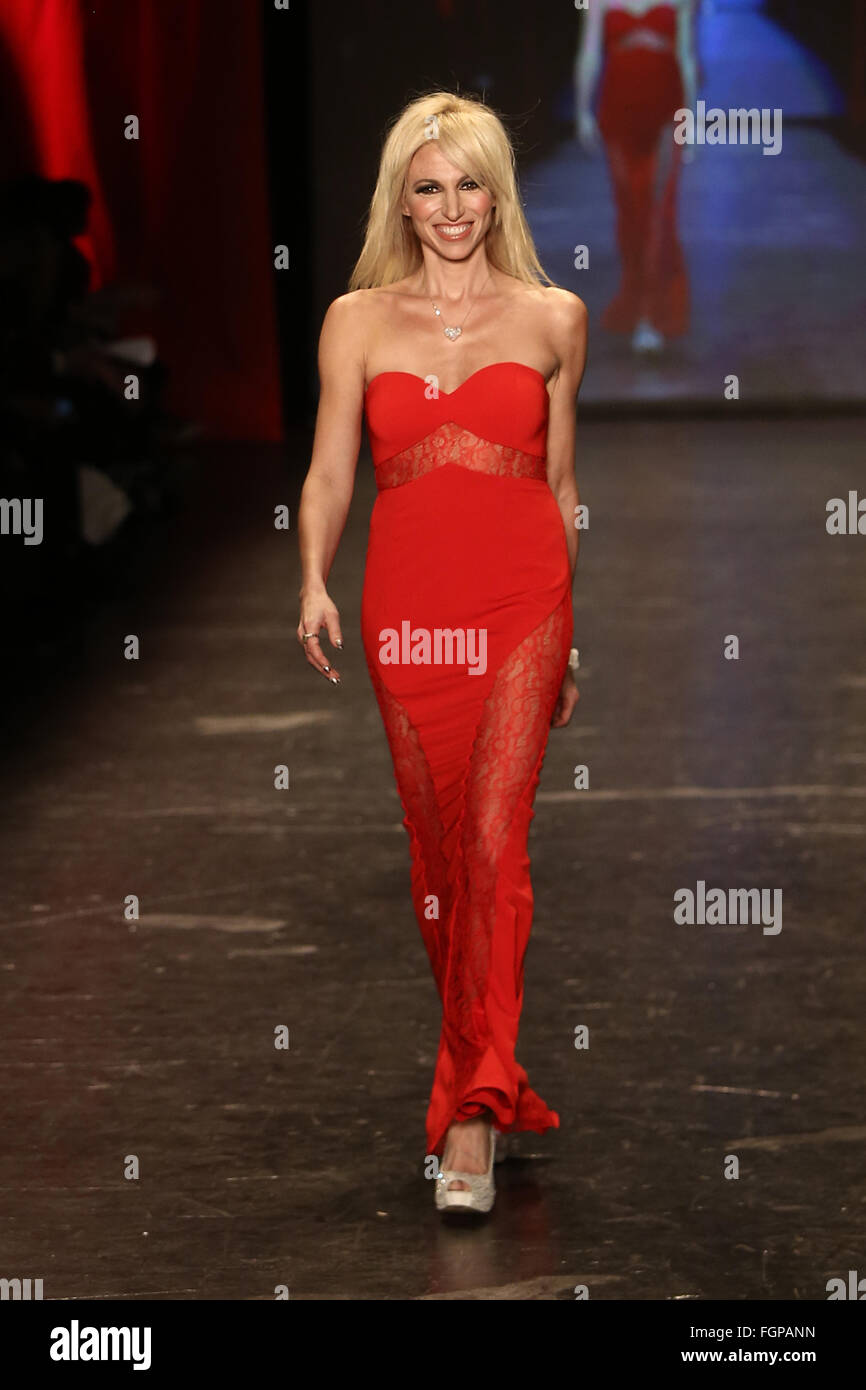 Debbie Gibson wears Jay Godfrey at Go Red for Women Red Dress Collection 2016 Presented by Macy's at New York - Stock Image