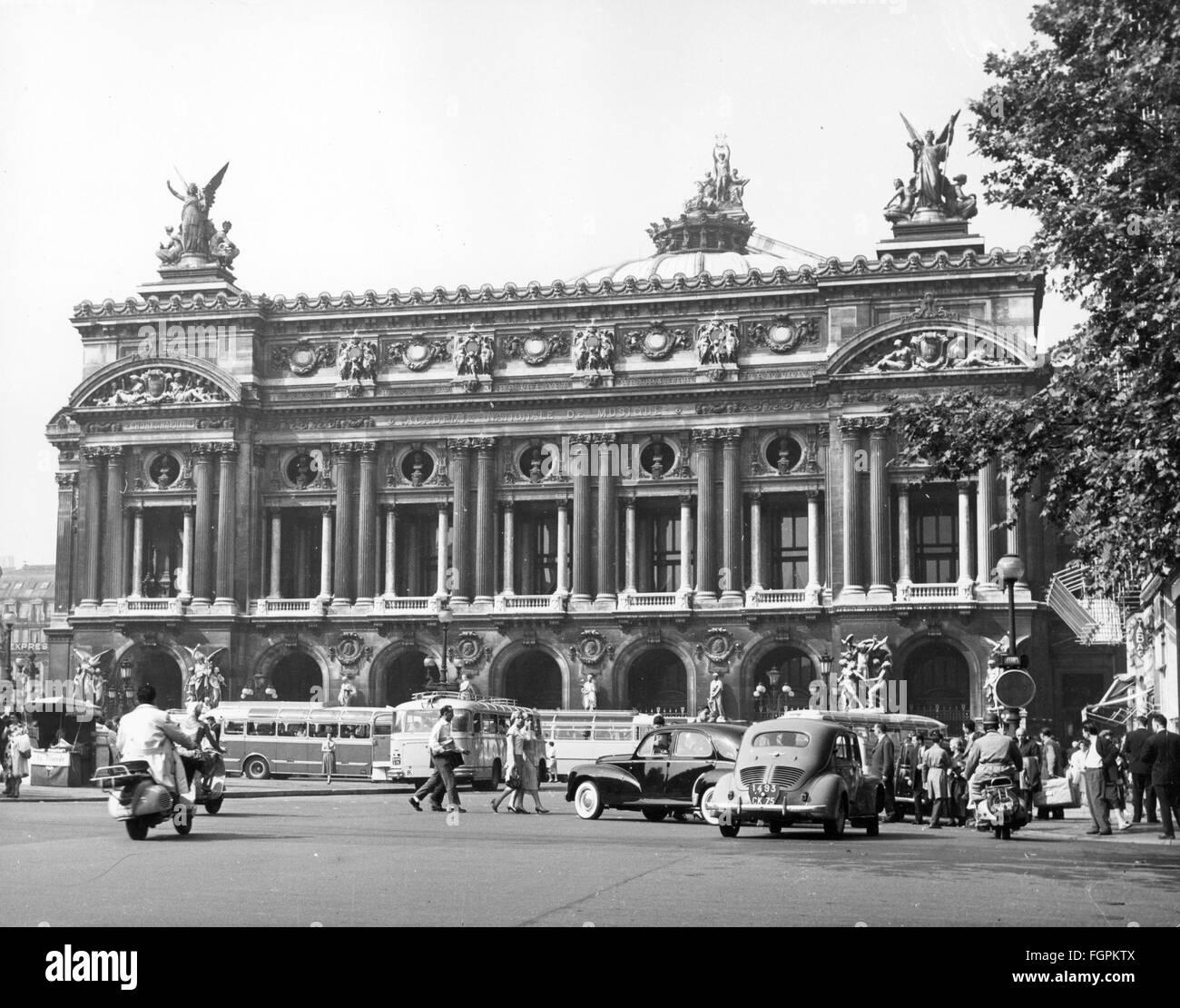 geography / travel, France, Paris, buildings, opera, Palais Garnier, place de l  Opéra, exterior view, 1950s, - Stock Image