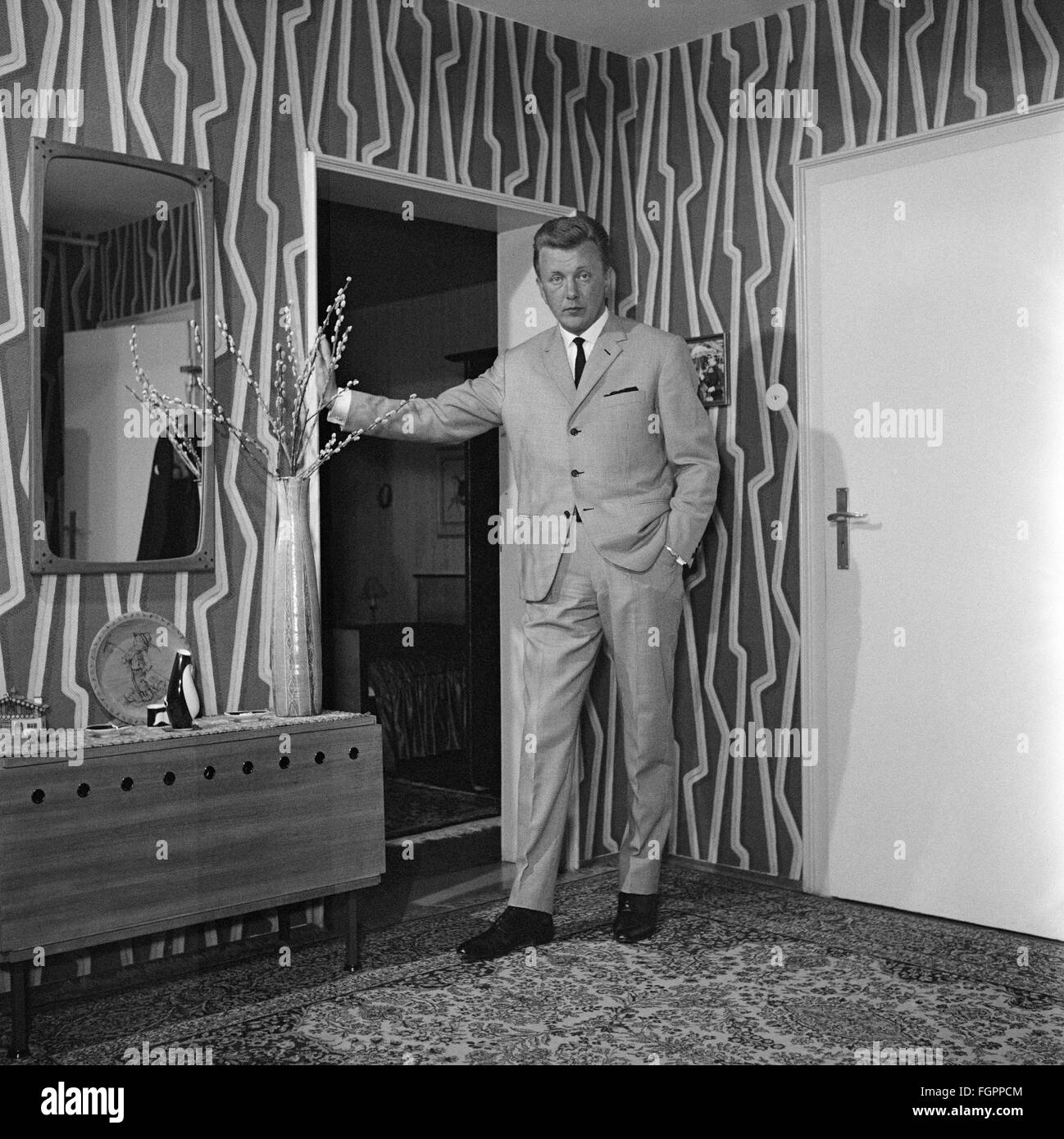 furnishings, living-room, man standing at a doorframe, 1950s, , Additional-Rights-Clearences-NA - Stock Image