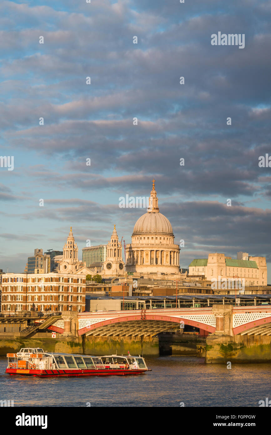 London skyline: looking towards St. Paul's and Blackfriars Bridge - Stock Image