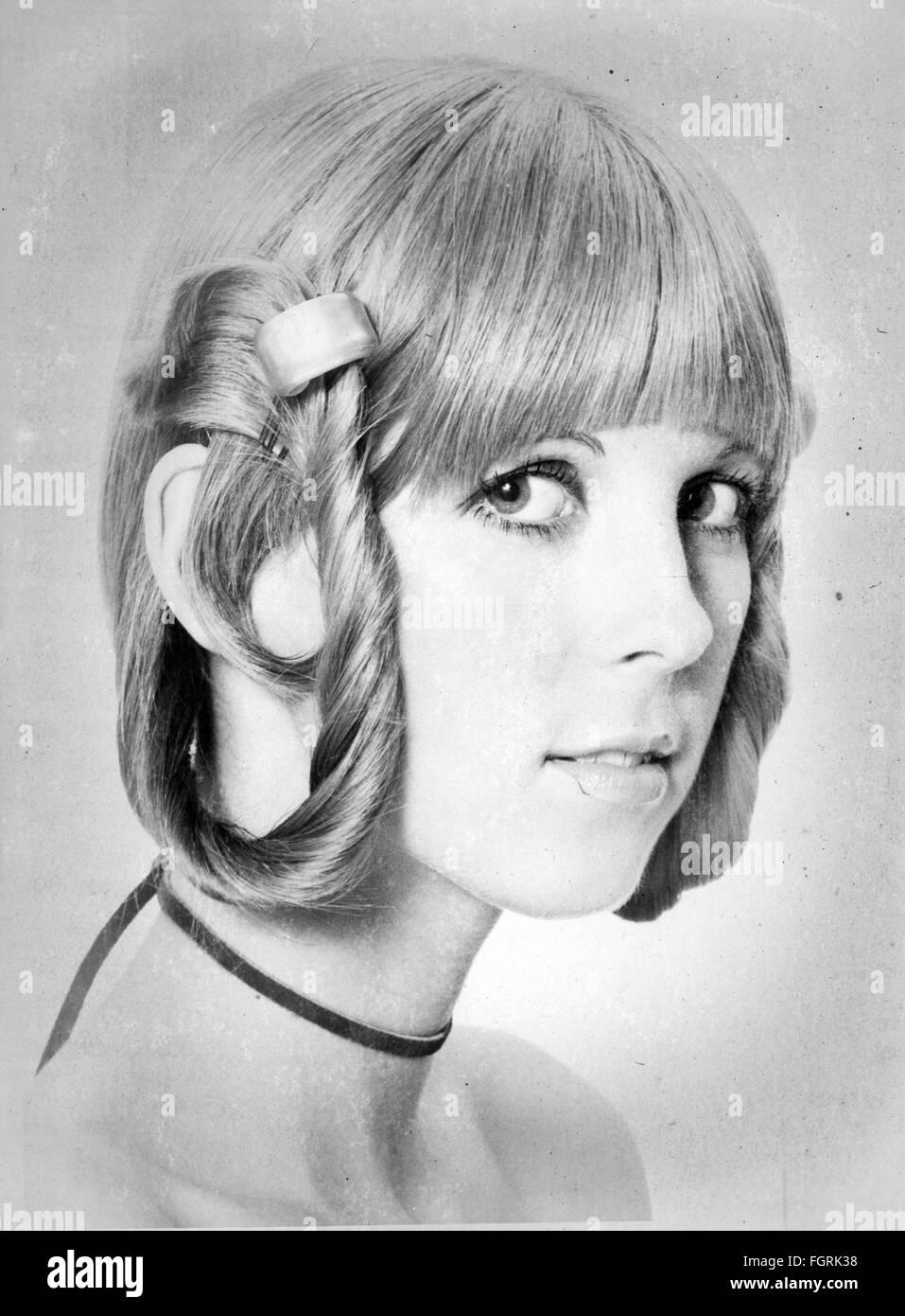 Fashion 1970s Hair Styles Woman S Haircut 1970 Stock Photo Alamy