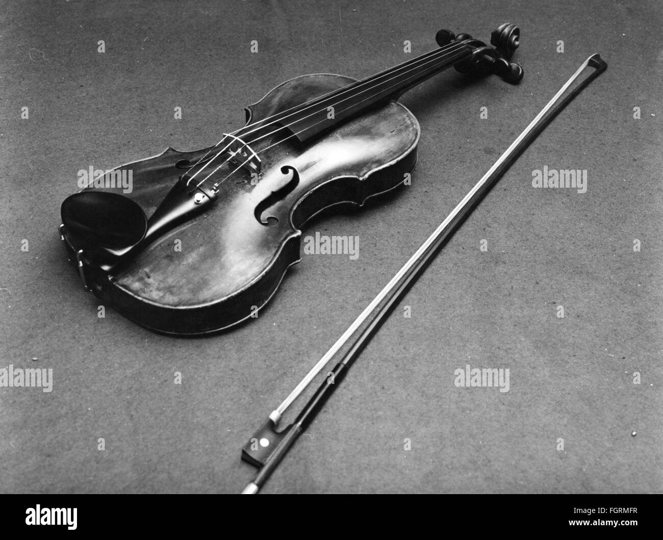 music, instruments, bowed instruments, violin, school of the luthier family Klotz, Mittenwald, circa 1800, Additional - Stock Image