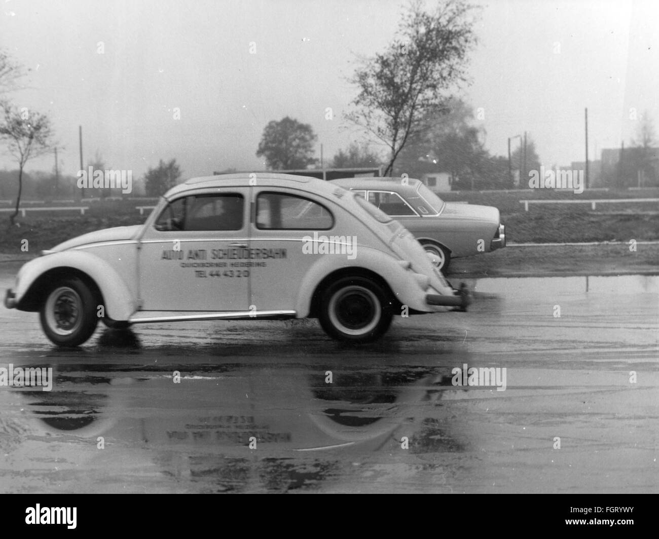 transport / transportation, car, vehicle variants, Volkswagen, VW Beetle of the ADAC on the anti-float course, Quickborn, - Stock Image