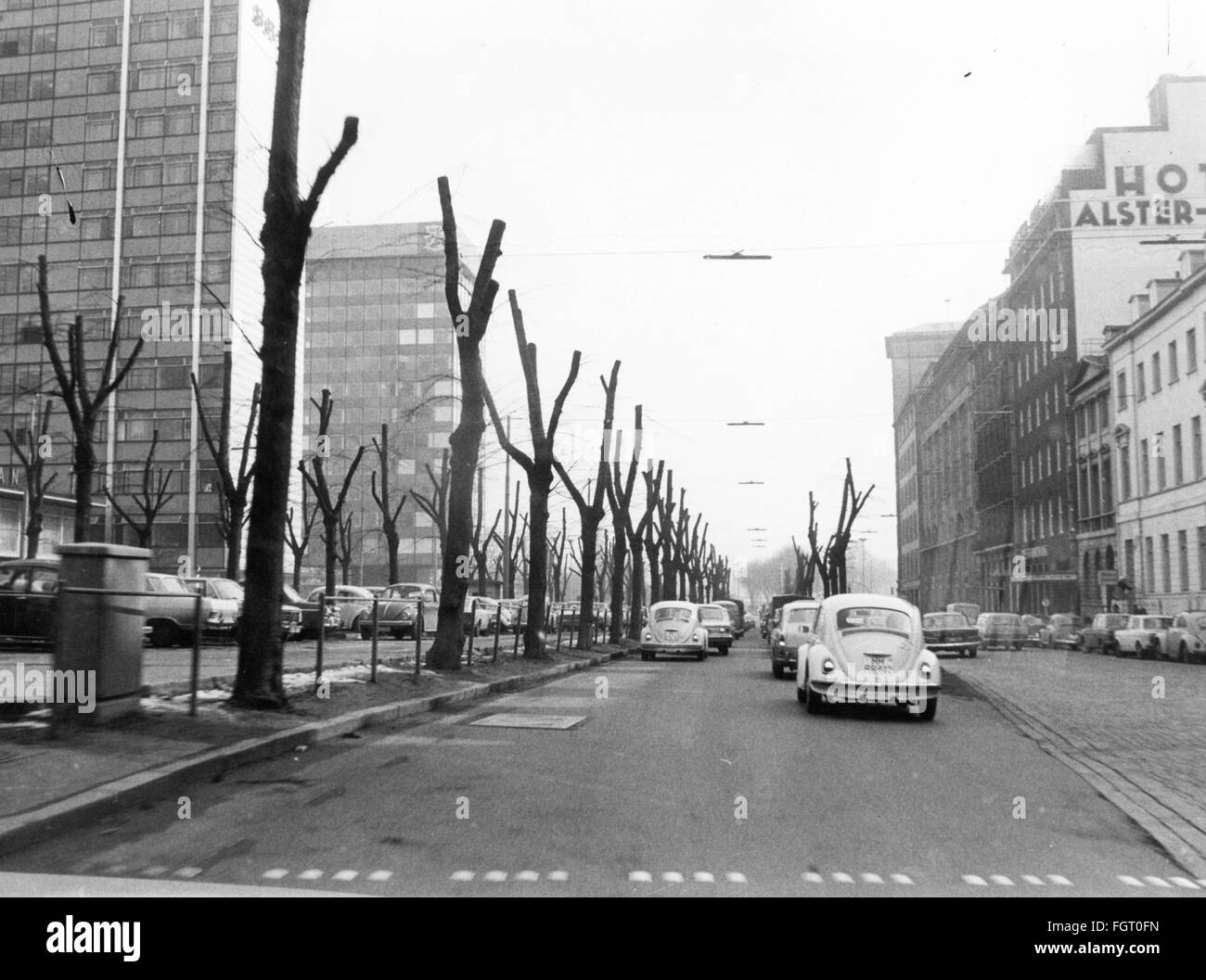 geography / travel, Germany, Hamburg, streets, Esplanade, trimmed trees in front of the BAT House, 1970, Additional - Stock Image