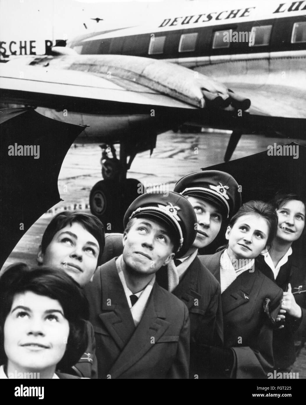 Deutsche Stewardess wird nach der Arbeit abgefickt