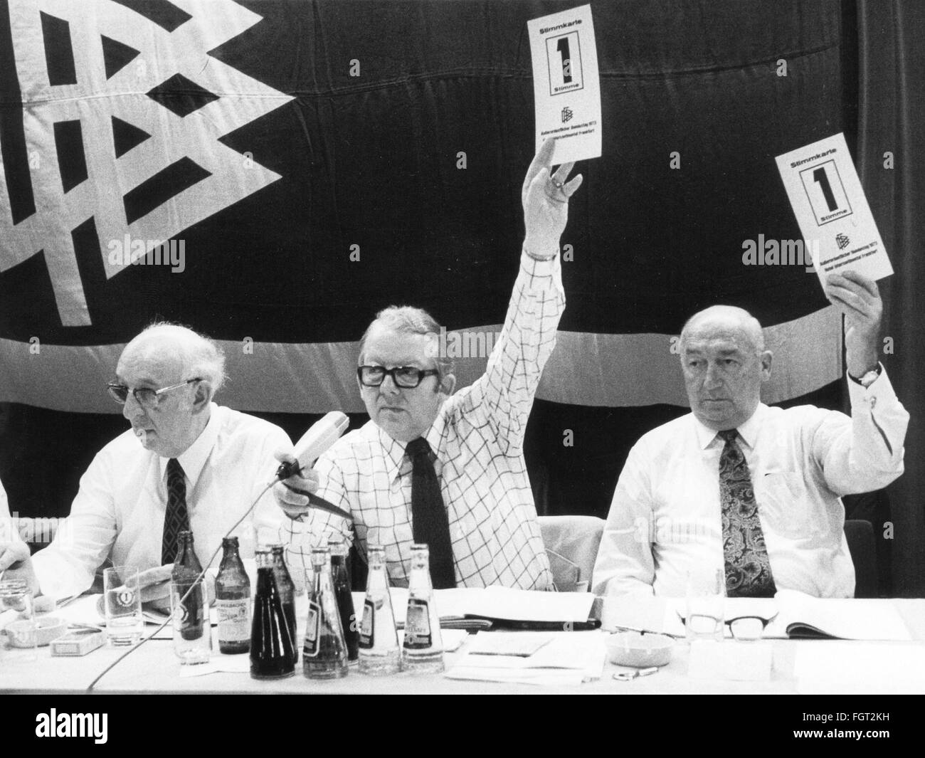 sports, football, functionary, Germany, German Football Association, extraordinary meeting, voting about the introduction - Stock Image