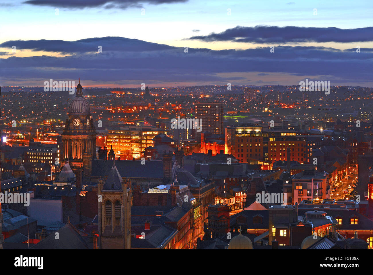 leeds town hall and skyline at dusk yorkshire uk - Stock Image