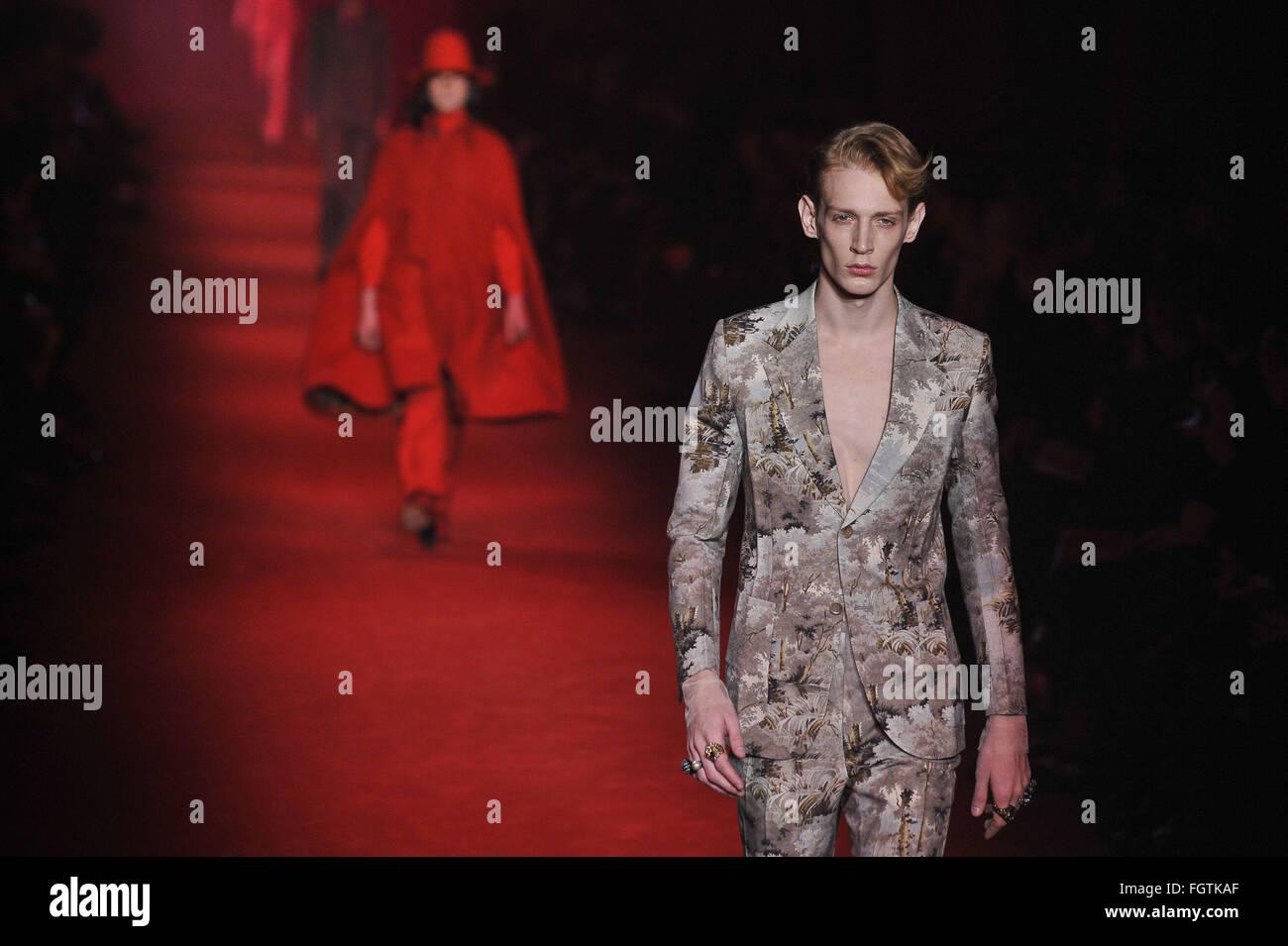 6177312e7 Milan Fashion Week Men F/W 2016 - Gucci - Catwalk Featuring: Hari Nef