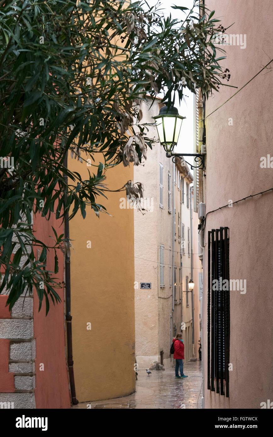 Altstadt-Gasse, Saint-Tropez, Dep. Var, Côte d'Azur, Frankreich   old town, Saint-Tropez, Dep. Var, Côte d'Azur, Stock Photo