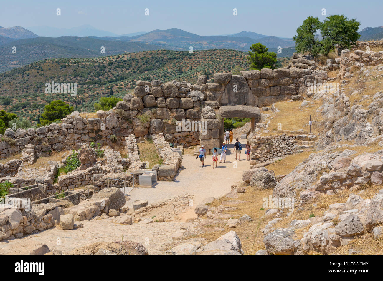 Mycenae, Argolis, Peloponnese, Greece.   The Lion Gate, dating from the 13th century BC, set into the Cyclopean - Stock Image