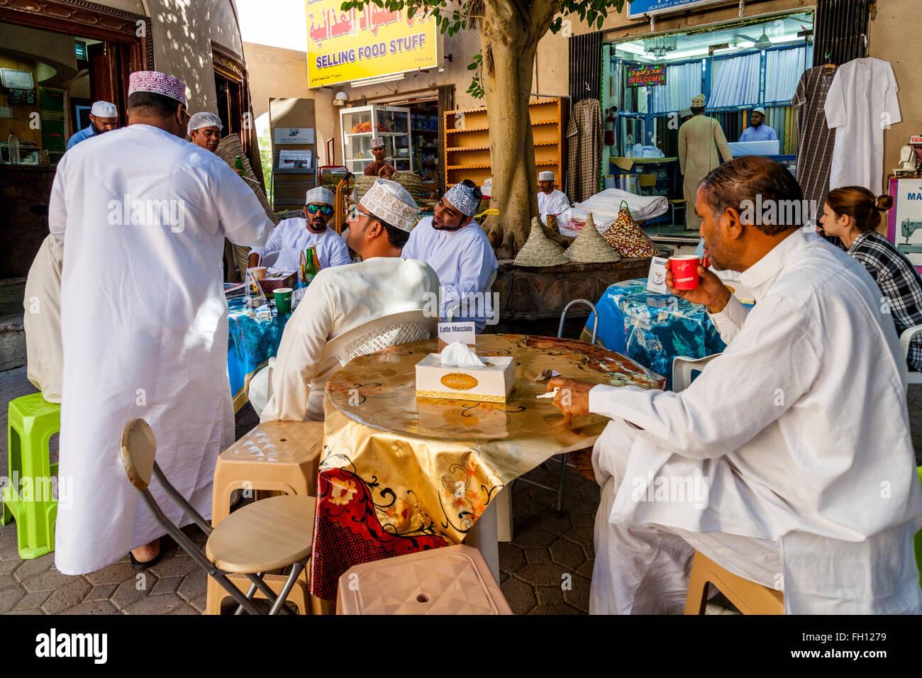 Omanis Men Stock Photos & Omanis Men Stock Images - Alamy