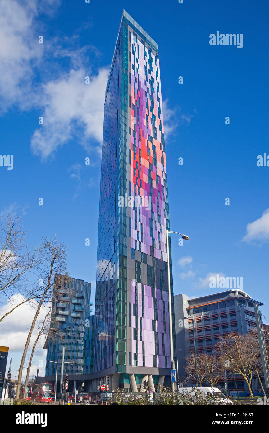 The Saffron Square housing development in West Croydon, with its colourful and imposing 43-storey tower - Stock Image