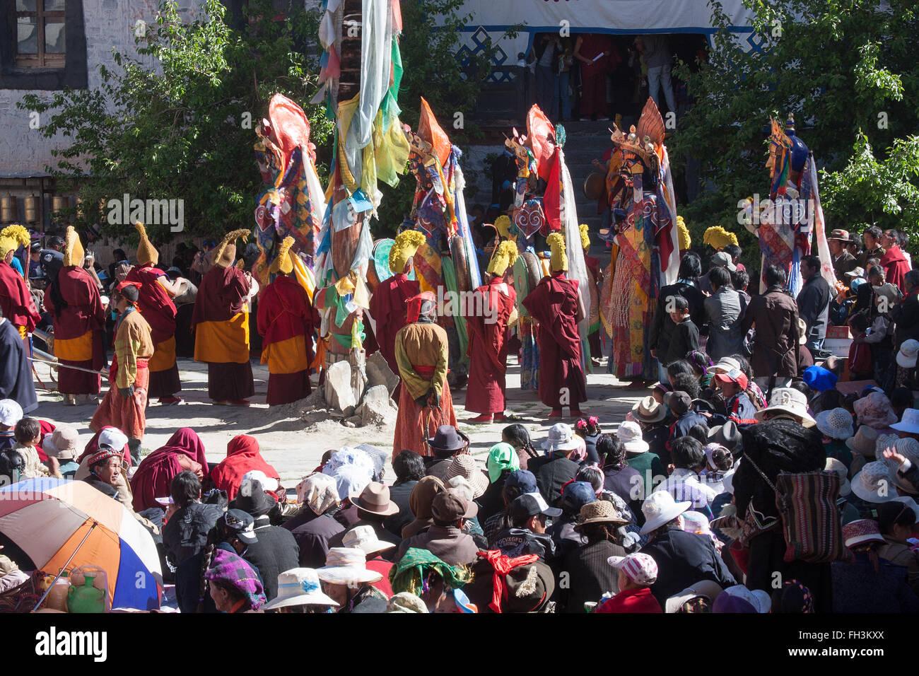 Ritual dance performed by Buddhist Lamas during the Saga Dawa ceremony - Stock Image