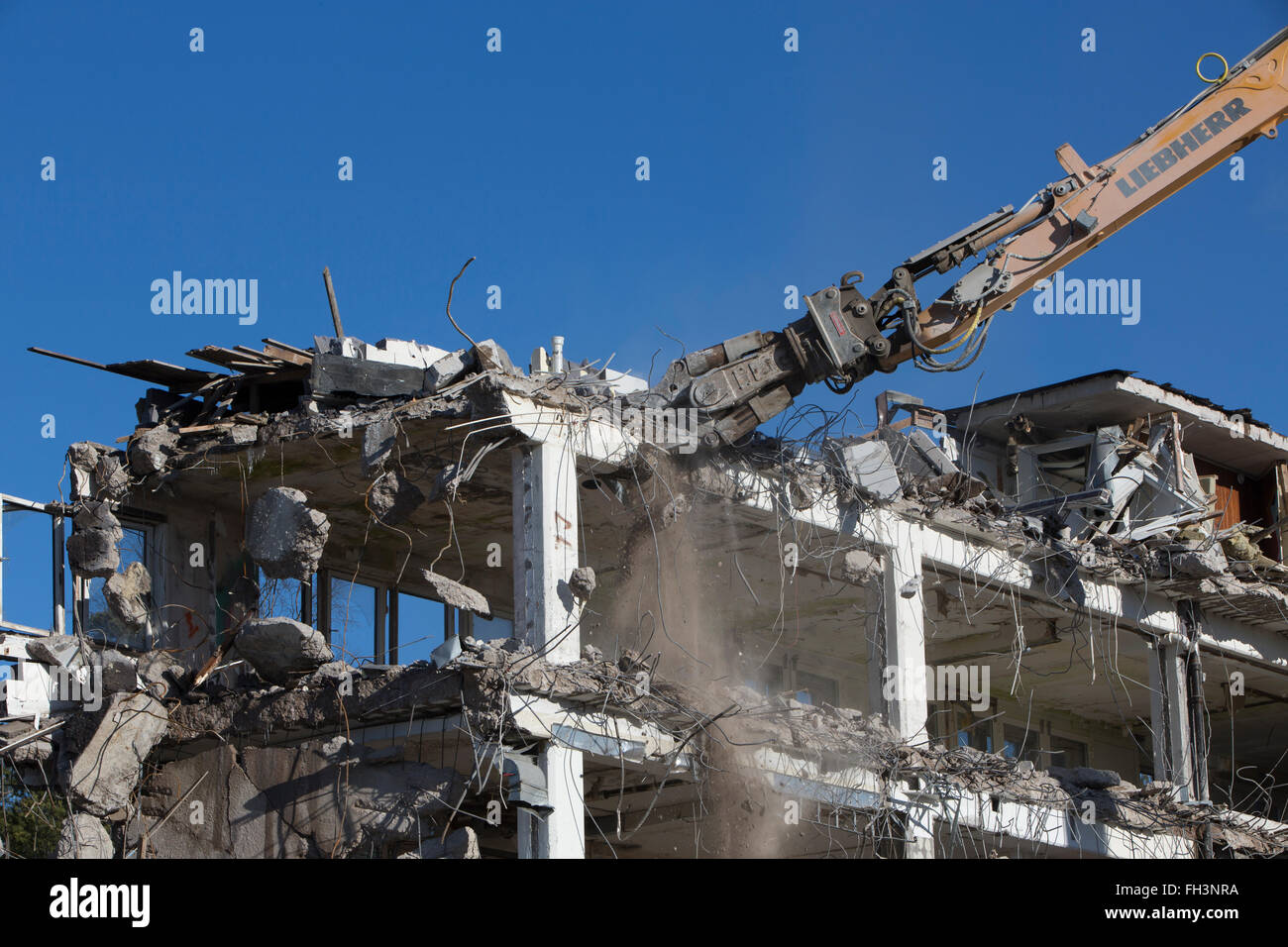 Old office building being demolished - Stock Image