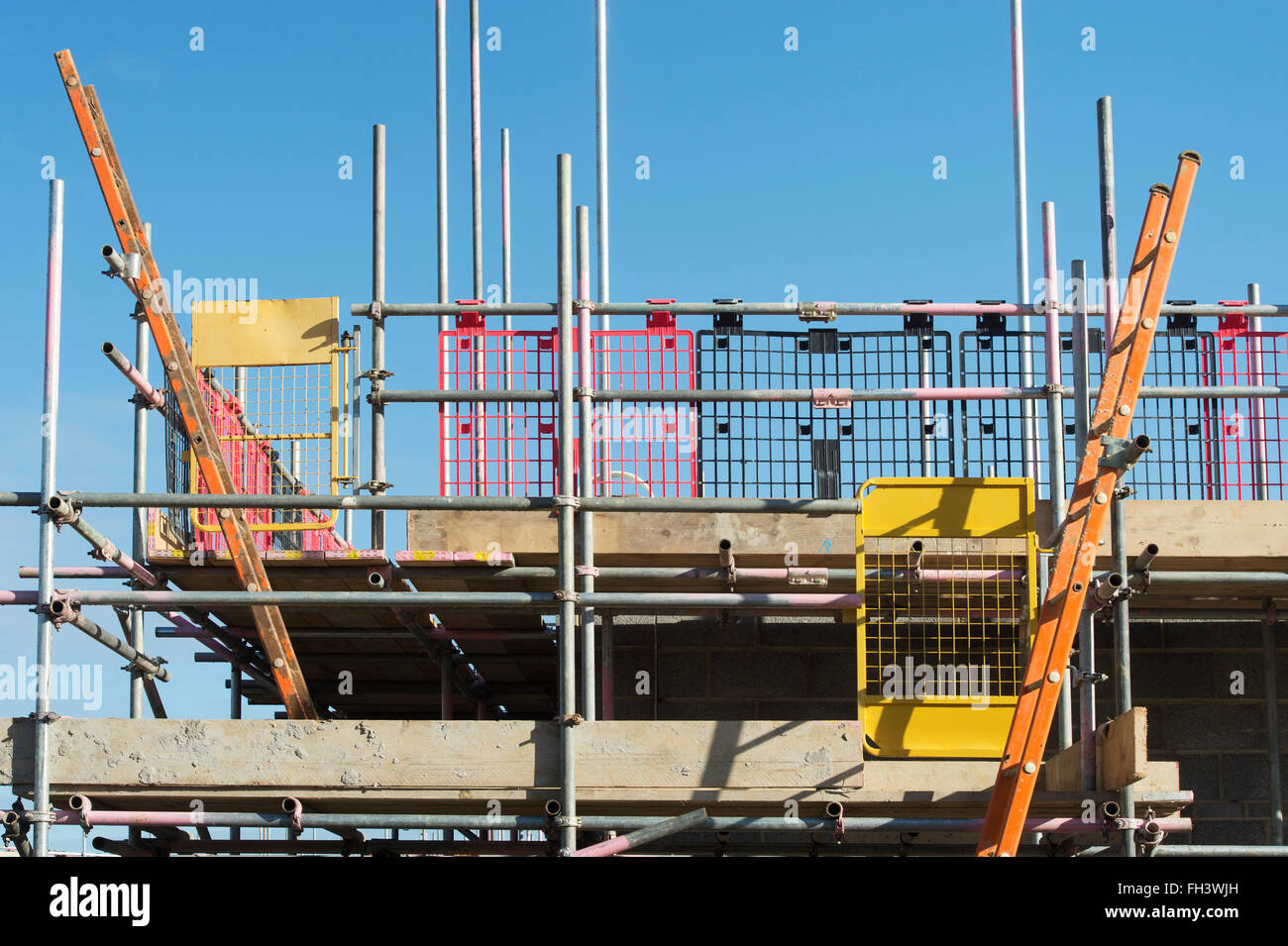 Linden Homes house construction scaffolding and ladders. Hawkswood, Bicester, Oxfordshire, England Stock Photo