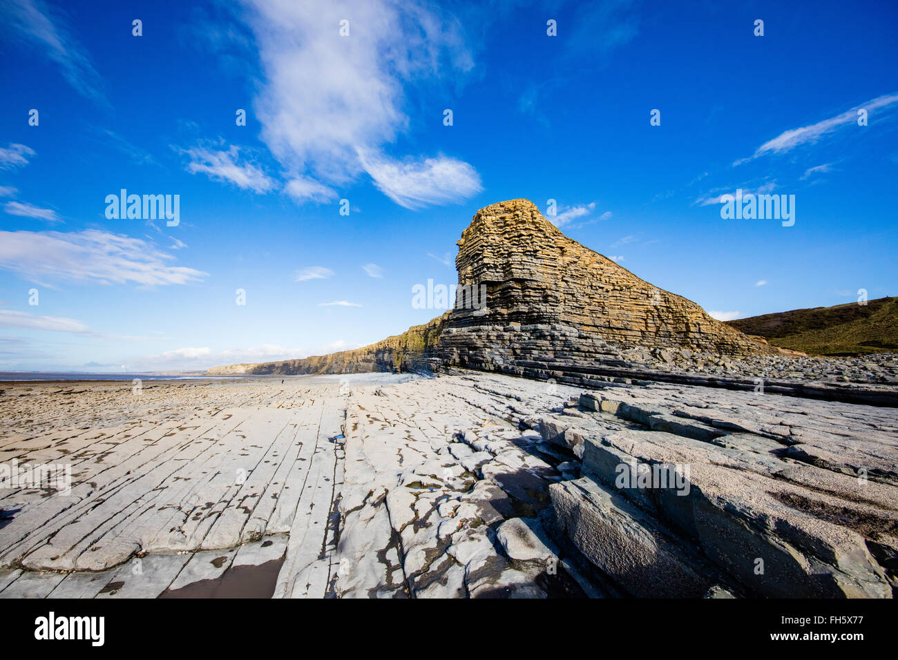 Nash Point on the Glamorgan Heritage Coast in South Wales at low tide - Stock Image