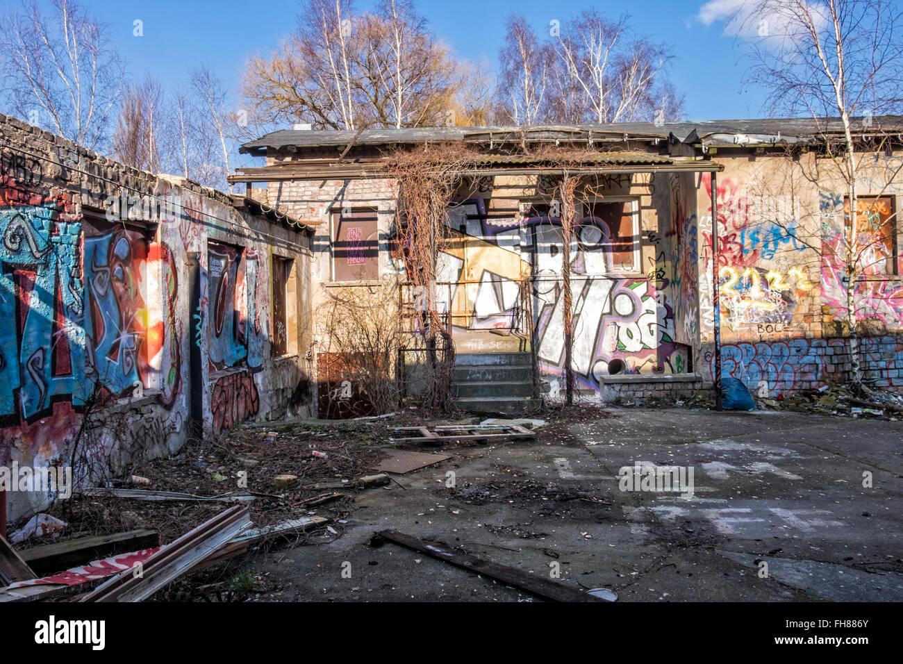 g terbahnhof train station pankow berlin graffiti covered derelict stock photo 96683075 alamy. Black Bedroom Furniture Sets. Home Design Ideas