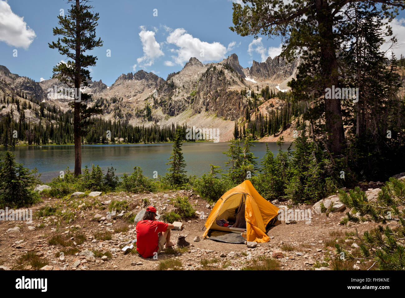 ID00402-00...IDAHO - Campsite at Alice Lake in the Sawtooth Wilderness Area. (MR) - Stock Image