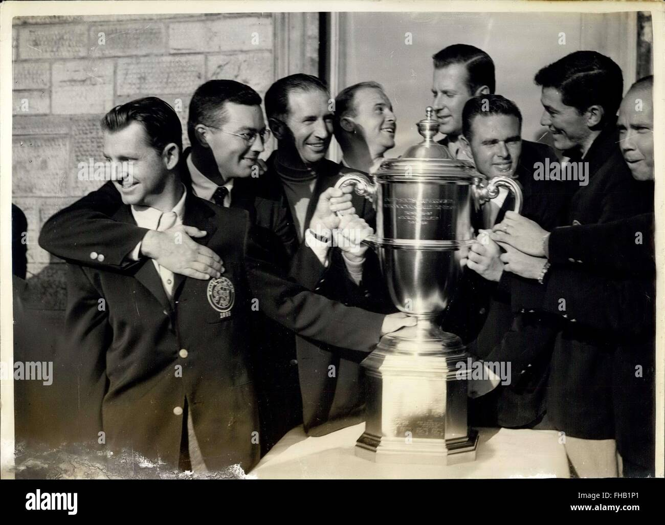 1955 - Golf at st. Andrews. Americans wins walker cup. Photo shows The Victorious American Walker cup team - photographed Stock Photo