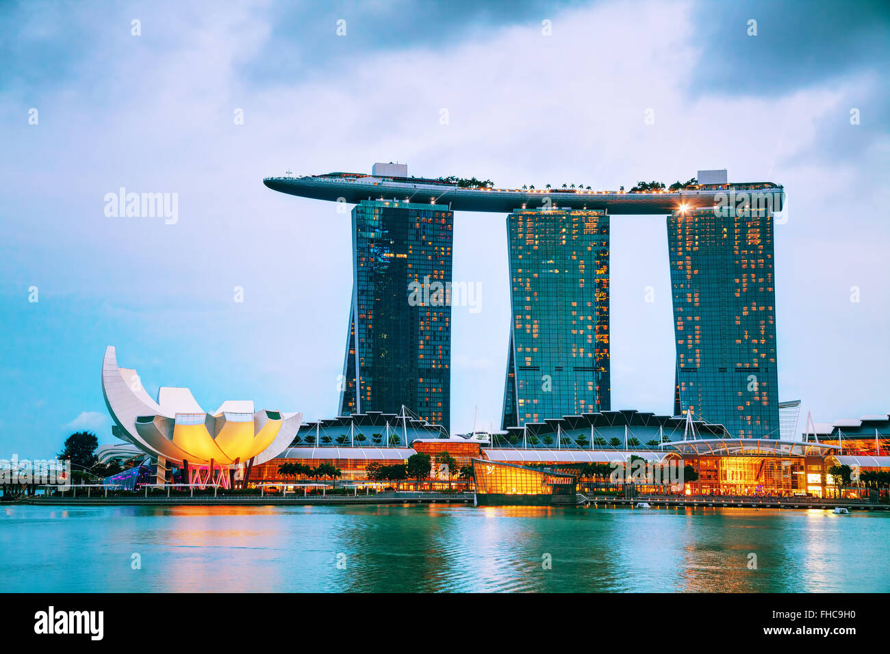SINGAPORE - OCTOBER 30: Overview of the marina bay with Marina Bay Sands on October 30, 2015 in Singapore. - Stock Image