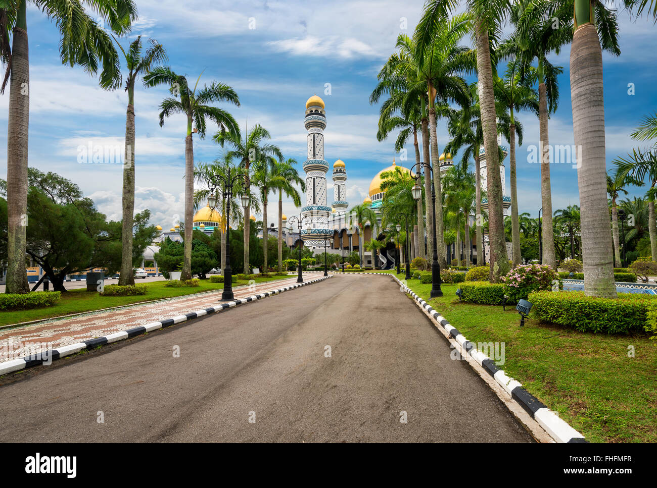 Alley to Jame'Asr Hassanal Bolkiah Mosque, Brunei - Stock Image