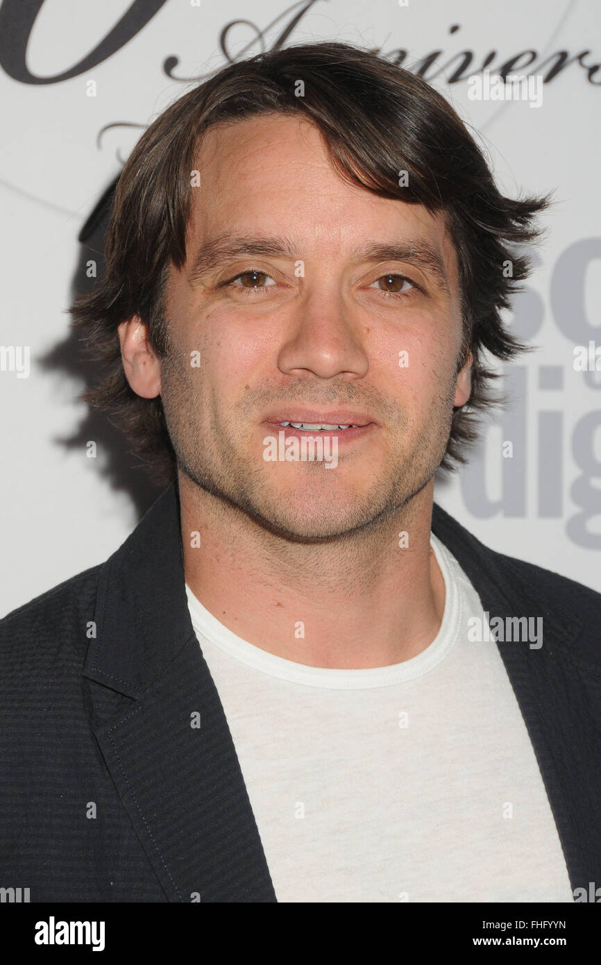 Communication on this topic: Vanessa Lengies, dominic-zamprogna/