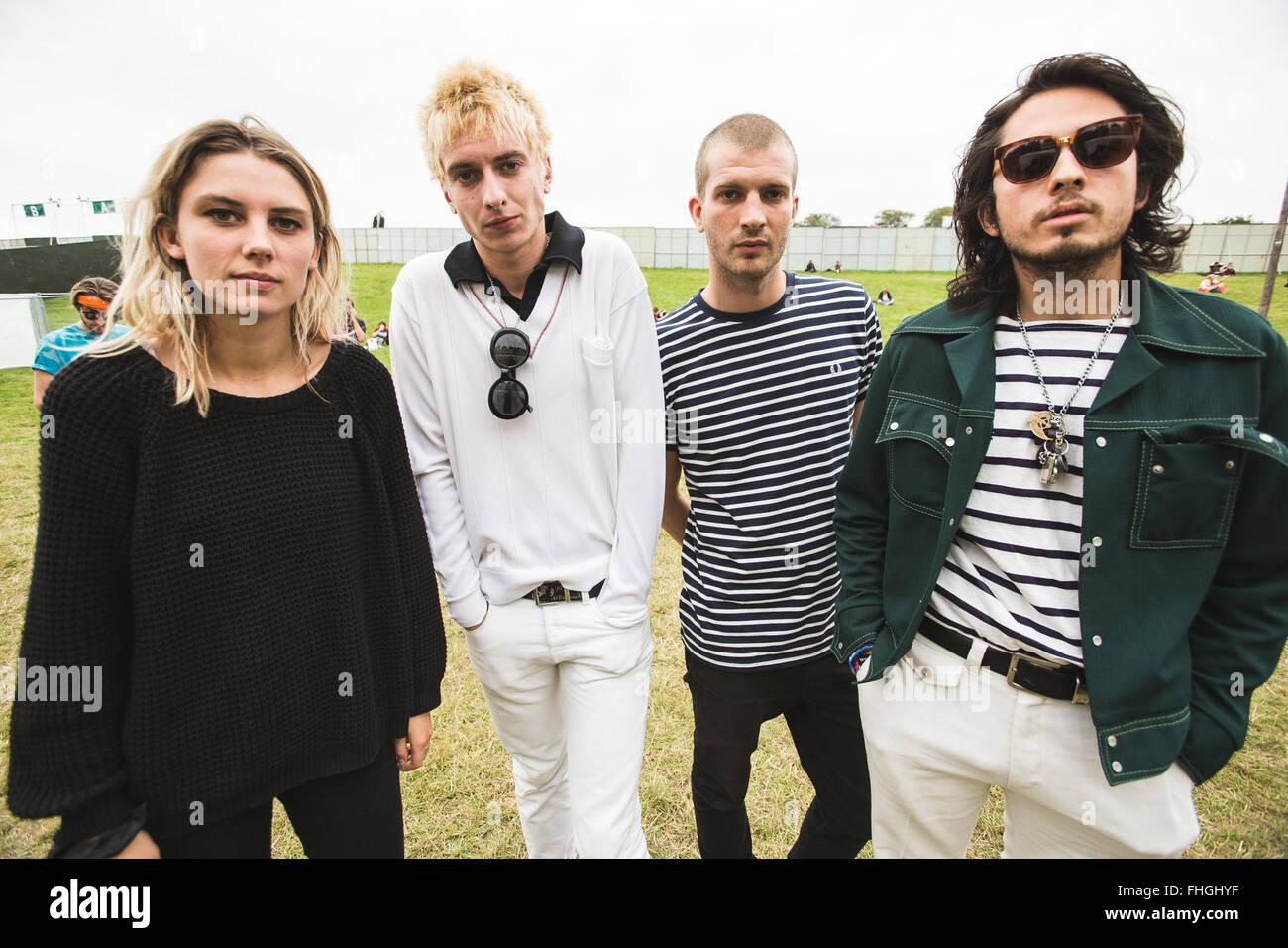 Aug. 30, 2015 - British band, Wolf Alice, pose backstage at Leeds ...