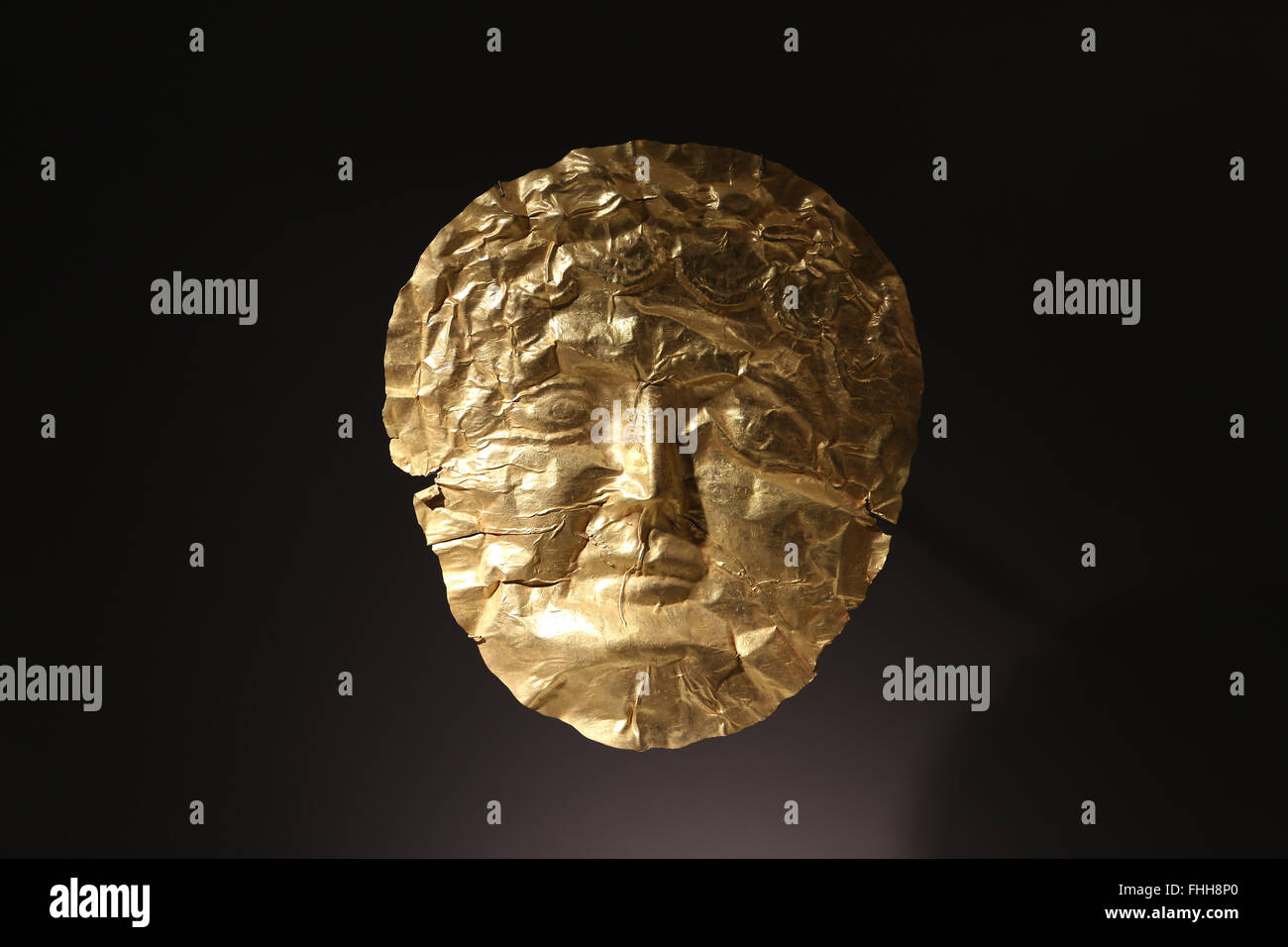 Funerary practices. Eastern provinces of Roman Empire. Near Eastern. Gold mask. Levantine tombs. Imperial period. Stock Photo