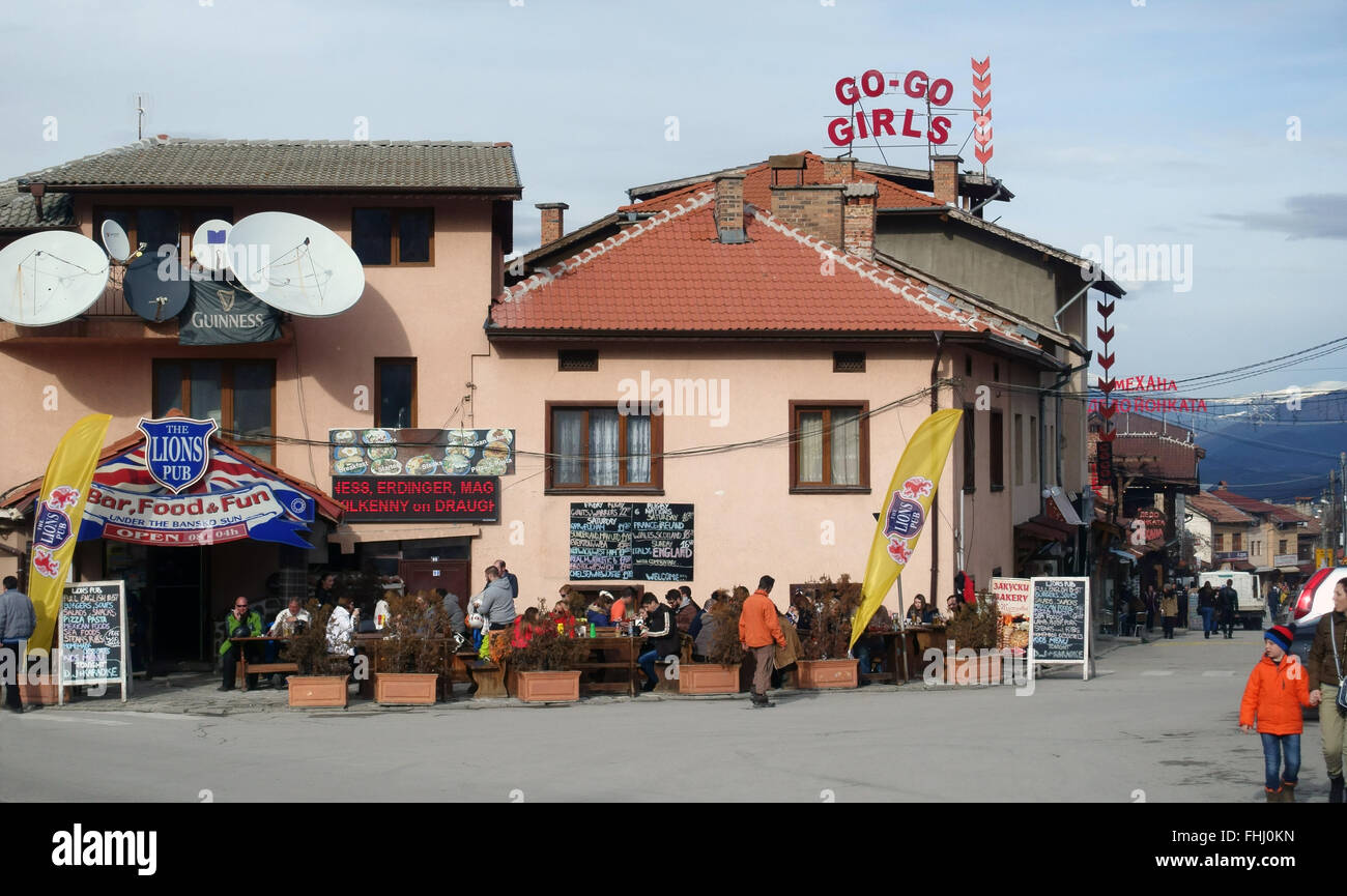 Apres ski in Bansko ski resort Bulgaria - Stock Image