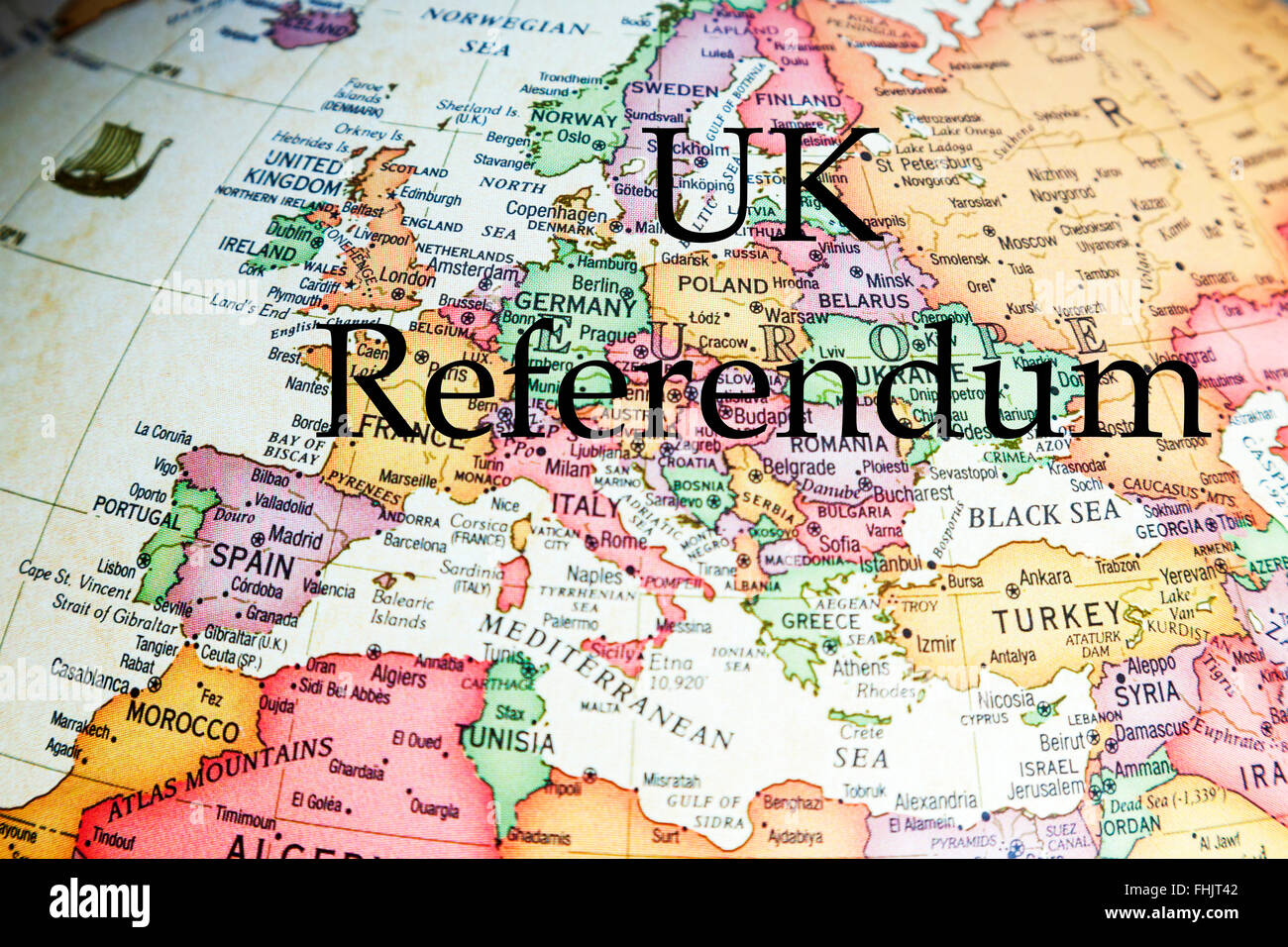EU Referendum UK vote leave stay ? voting europe poll England GB Britain leave stay choose pick decide decision - Stock Image