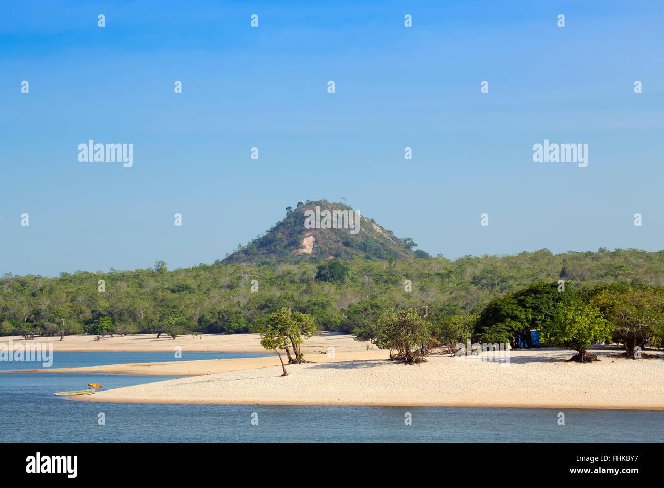 Ilha do Amor (love island) and beach in Alter do Chao, Brazilian Amazon - Stock Image