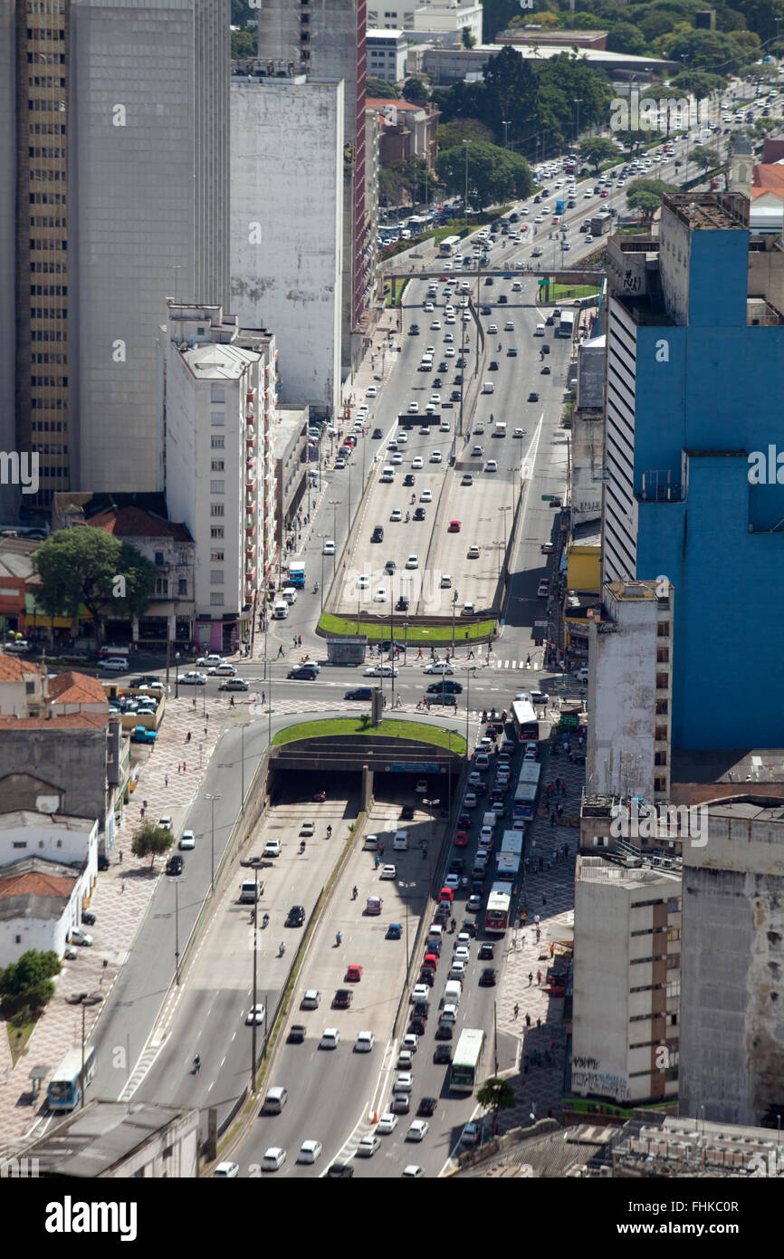 Sao Paulo view of multi-lane urban highway in the city centre - Stock Image
