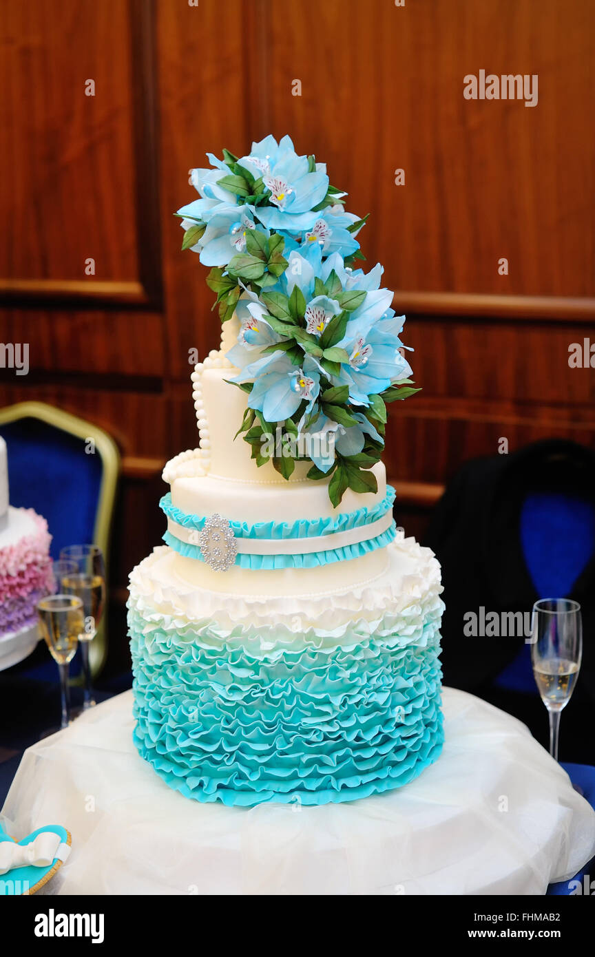 Three Tear Wedding Cakes.Beautiful Turquoise Three Tiered Wedding Cake Stock Photo 96948182